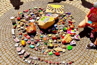 Kindertags-Steine bekommen Ehrenplatz