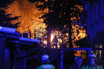 Bungalow in Dresden niedergebrannt