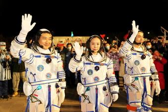 China startet seine bisher längste Weltraummission