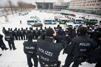 13. Februar: Polizei sieht wenig Gefahr
