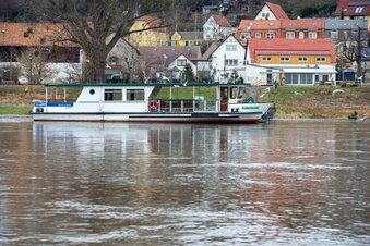 Schöna: Elbe nähert sich Hochwassermarke