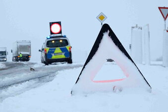 Schnee sorgt für Unfälle und Behinderungen