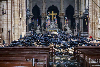 """""""Wir werden Notre-Dame wieder aufbauen"""""""