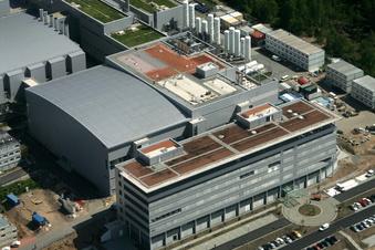 Infineon Dresden baut kräftig aus