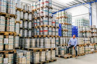 Hunderte Bierfässer, die keiner austrinkt