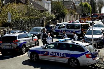 Angreifer tötet Frau auf Polizeiwache