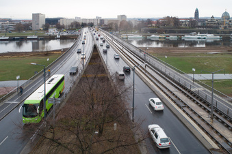 Das Nadelöhr über der Elbe