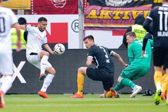 Dynamo bleibt trostlos in Sandhausen