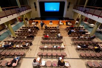 Ratssitzung nach heftiger Debatte verlegt