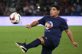 Maradona nach Gehirn-OP wohlauf