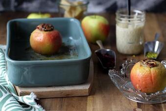 Rezept: Bratapfel mit Blitz-Marzipansoße