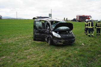 Vier Menschen bei Unfall verletzt