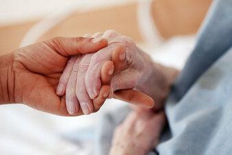 Pflege: Eigenanteile sollen begrenzt werden
