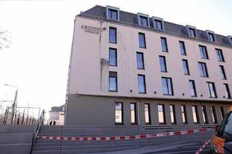Farb-Attacke auf neues Hotel in Dresden
