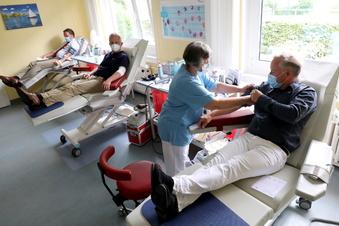Dürfen Geimpfte Blut spenden?