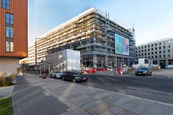 Neubau am Dresdner Postplatz im Sommer fertig