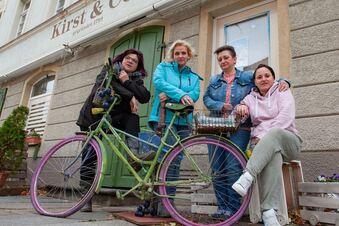 Frauen kämpfen für Kultladen