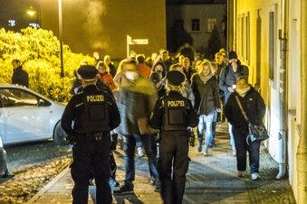 Polizei unterbindet Corona-Protestzug in Riesa