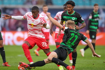 Bayern souverän - Leipzig dreht Rückstand gegen Fürth
