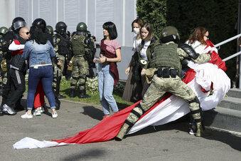 Frauen in Belarus protestieren wieder
