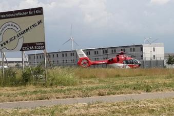 Hubschrauber landet am Gefängnis