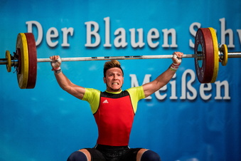 Die Gewichtheber geben auf, die Triathleten hoffen noch