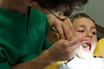 Kinder gehen zu spät zum Zahnarzt