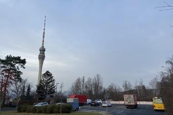 Fernsehturm: Alten Parkplatz aktivieren?