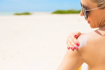 Sonnencreme: Diese Inhaltsstoffe sind bedenklich