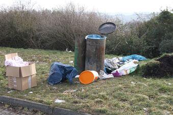 Müllhalde an der Bundesstraße
