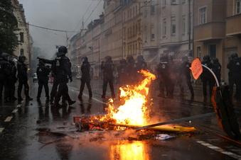 """""""LinX""""-Demo: Staatsanwalt sieht Droh-Banner als Straftat"""