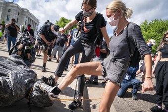 USA: Streit um Namen, Statuen und Flaggen