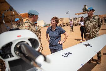Kramp-Karrenbauer sauer nach Mali-Trip