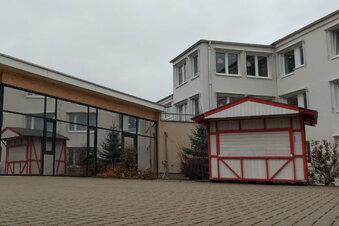 Pflegestift leiht erste Löbauer Corona-Hütte