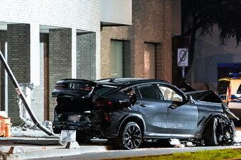 SUV erfasst in Frankfurt mehrere Menschen