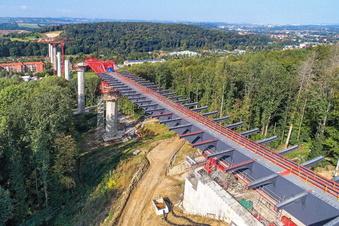 Südumfahrung Pirna: Brücke ist erstmals gewandert