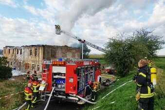 Leisniger Feuerwehr löscht altes Haus