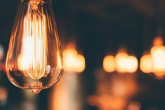So senken Sie die Stromkosten für das kommende Jahr