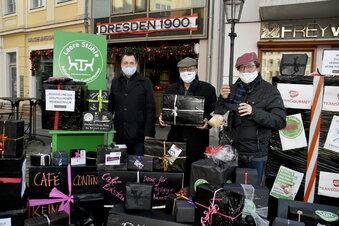 Dresden: Schwarze Geschenke für Politiker