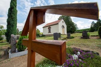 Was gibt Radeburg künftig für die Friedhöfe?