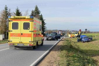Drei Verletzte bei Unfall auf B6