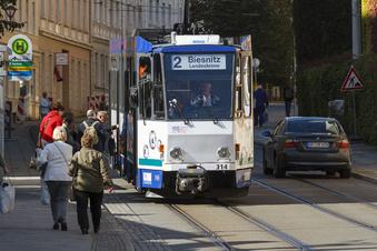 Bus und Bahn fahren wieder nach Plan