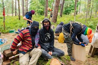 Waldbesetzer sind gekommen, um zu bleiben