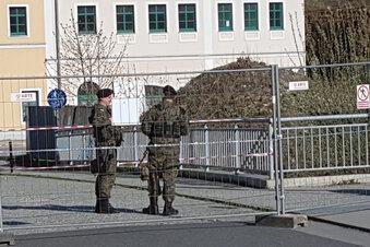 Polen kontrolliert hochgerüstet die Grenze