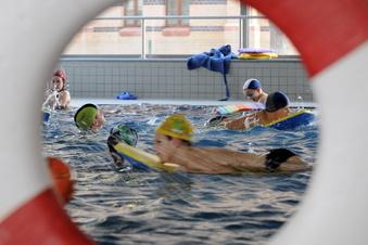 Kreis Görlitz: Was tun gegen übervolle Schwimmhallen?