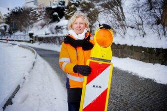 Dresdner Nebenstraßen: Warnschilder bleiben in Mode