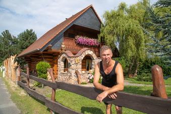 Dieser Biehainer wohnt in finnischer Kiefer