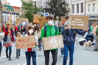 Mehr als 100 demonstrieren gegen Klimapolitik