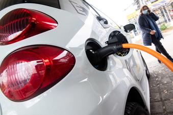 Umfrage: Behörden in Sachsen wollen mehr elektrisch fahren