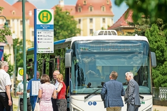 Bus-Halt künftig in Blau